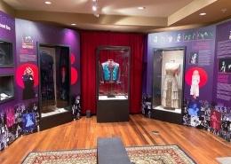 custom museum exhibit
